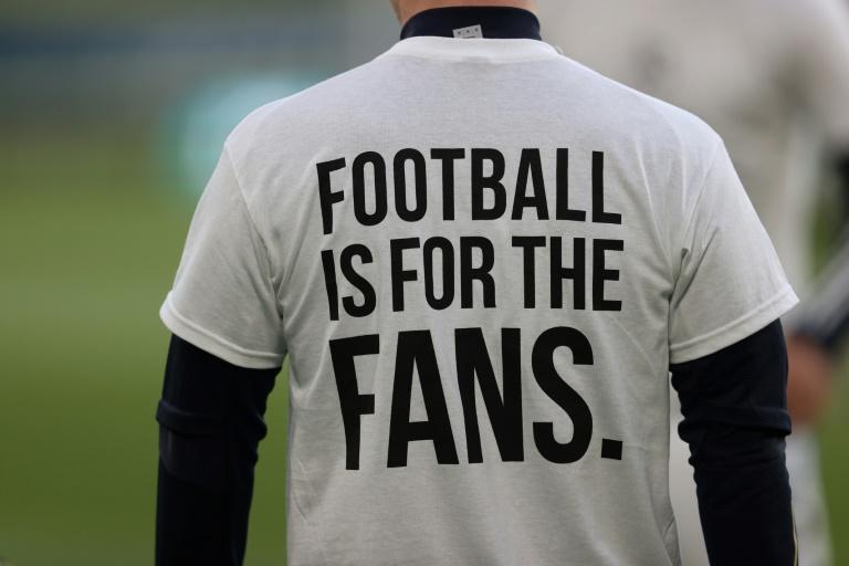 https://kosmodromio.gr/wp-content/uploads/2021/04/football-fans.jpg
